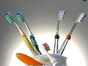 Zubní kartáčky - Jak se vyrábějí zubní kartáčky