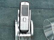 Stojan na mobil z kousku plechu