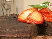 Čokoládový koláč - recept  na koláč s čokoládou a jahodami