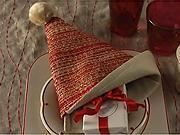 Ubrousek ve tvaru  Santa čepice - Jak poskládat ubrousek do tvaru Santa čepice - Skládaní ubrousku