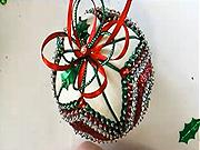 Pestra vánoční koule