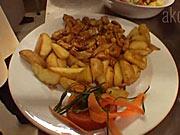 Kuřecí soté s bramborami - recept na kuřecí soté se šunkou, kukuřicí a žampiony