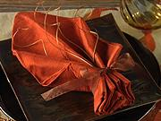 Ubrousek ve tvaru listu - Jak poskládat ubrousek do tvaru listu