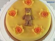 Dort s medvídkem - Jak ozdobit dort medvídkem a květinami.