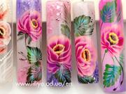 Gelové nehty - růžové květy