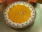 Krémová polévka z dýně - recept na polévku z dýně s burákovým máslem