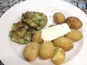 Kapustové karbanátky - recept na kapustové karbanátky s česnekem a bramborami.