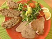Steak z tuňáka - recept na tuňakový steak se zeleninovým salátem