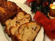 Vánočka - recept na domáci vánočku s rozinkami, mandlemi a vlašskými ořechy