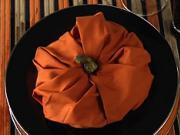 Ubrousek ve tvaru dýně - skládání ubrousků