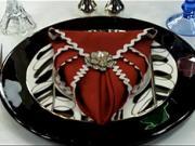 Ubrousek ve tvaru srdce - Jak poskládat ubrousek do tvaru srdce