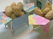 Krabička na oříšky - jak poskládat origami krabičku na oříšky