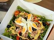 Zeleninový salát s tuňákem - recept na tuňákový salát s pestrou zeleninou