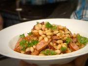 Luštěniny - recept na fazolky se sušenými rajčaty, klobásou a petrželkou