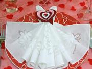 Valentýnské stolování - jak poskládat ubrousky na Valentina