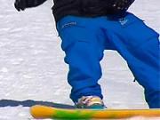 Nástup a výstup na vleku se snowboardem - Obuv na snowboard