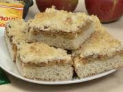 Kynutý jablečný koláč s drobenkou - recept na ovocný koláč
