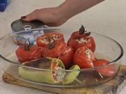 Zapečená rajčata s tuňákem - recept na rajčata plněné tuňákem a sýrem