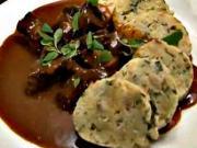 Hovězí guláš - recept na hovězí guláš s karlovarským knedlíky