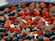 Smetanová dort s ovocem - recept na nepečený ovocně-smetanový dort