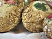 Velikonoční vajíčka zdobené strukturovanou pastou