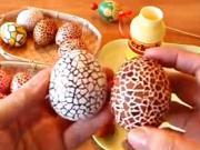 Velikonoční vajíčka polepovaná skořápkami
