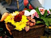 Jarní aranžmá - hrnkové + řezané květiny - Inspirace