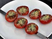 Rajčata na grilu - recept na grilovaná rajčata s rozmarýnem, česnekem a parmezánem