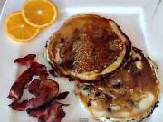 Palačinky s javorovým sirupem - recept na palačinky s borůvkami a slaninou