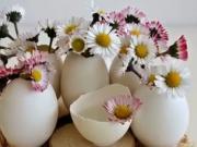 Velikonoční dekorace z vaječných skořápek