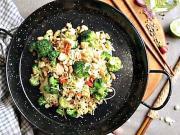 Rýžové nudle s brokolicí a lososem - recept