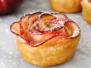 Jablečné růže -  recept na pečené růže z jablka a listového těsta