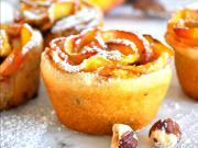Broskvové růže s nutellou a ořechy - recept na broskvové růže