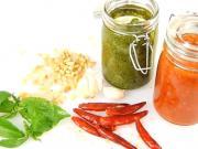 Pesto - zelené a červené pesto - jak se dělá bazalkové a rajčatové pesto-recept
