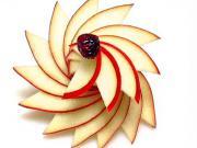 Jak nakrájet jablko do spirály
