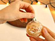 Jak ozdobit průsvitné vánoční koule