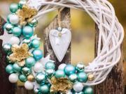 Jak si ozdobit proutěný věnec na Vánoce