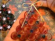 Quilling - jednoduchý vánoční stromek z papíru