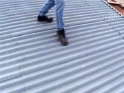 Odhlučnění střechy -Jak se zbavit hluku plechové střechy