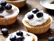 Borůvkové muffiny - recept na kokosovo-ovocné muffiny