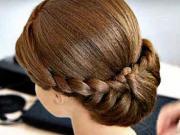 Zapletený účes pro středně dlouhé vlasy