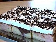 Pudinkovy  koláč - recept na pestrý tříbarevný koláč s pudinkem
