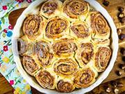 Kynutý koláč ze skořicových šneků - recept