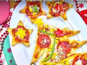Vánoční pizza - recept na vykrajovanou pizzu s oblíbenými přísadami