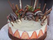 Čokoládový dort - recept na čokoládový dort s tvarohovým krémem a jahodami