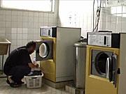 Praní v prádelně v zahraničí