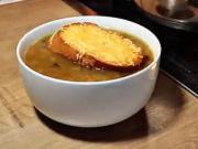 Francouzská cibulová polévka - recept
