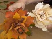 Růže z listů a šustí