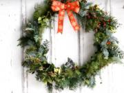 Vánoční věnec na dveře