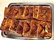 Marmeládové čtverce - recept na sladké křupavé koláčky se škořicí